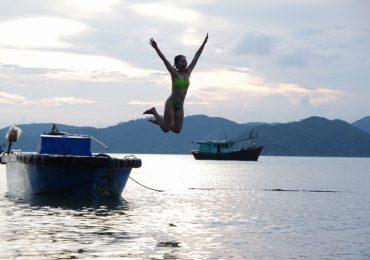 Quảng Ninh – nơi lặn biển, leo núi, khám phá rừng nguyên sinh thú vị