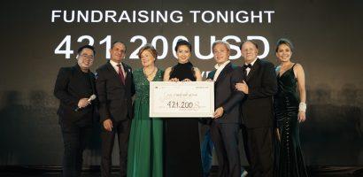 'Vết sẹo cuộc đời 8' thu về 420.000 USD để giúp các trẻ em mắc bệnh tim bẩm sinh