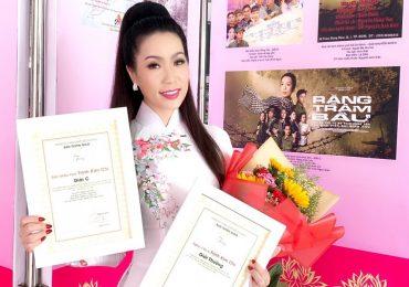 Trịnh Kim Chi vinh dự nhận giải thưởng lớn từ Ban tuyên giáo Thành ủy