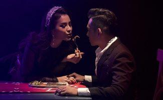 Hé lộ cảnh giường chiếu nóng bỏng gắn mác 18+ của Phương Trinh Jolie
