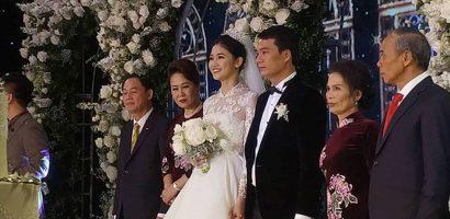 Á hậu Thanh Tú vỡ oà trong lễ cưới khi Anh Đức ghi bàn cho Việt Nam
