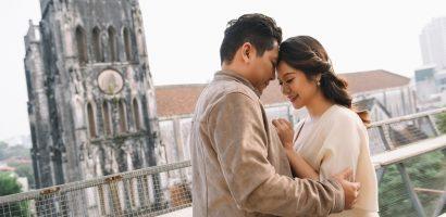 'Bà bầu' Thanh Thúy đẹp rạng ngời cùng chồng dạo phố Hà Nội