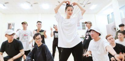 4 ngày trước liveshow 'khủng', Đông Nhi căng thẳng tập luyện cùng vũ đoàn