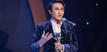 Huỳnh Lập chạy xe ôm đi nhận 4 giải thưởng trong một đêm