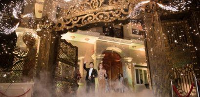 Á hậu Thanh Tuyền xuất hiện lộng lẫy cùng chồng tại sự kiện