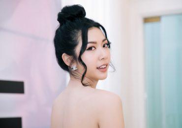 Á hậu Thuý Vân khoe vẻ đẹp mong manh với váy trễ vai