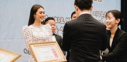 Hoa hậu Tường Linh nhận giải thưởng nghệ sĩ vì cộng đồng tại Hàn Quốc