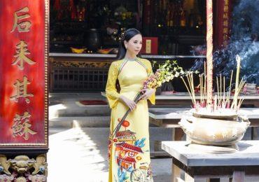 Diện áo dài đón Tết duyên dáng như Hoa hậu Châu Ngọc Bích