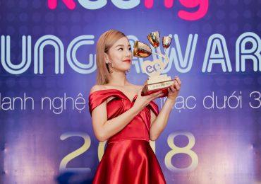 'Nụ hôn đánh rơi' oanh tạc Vpop 2018, đưa Hoàng Yến Chibi nhận giải thưởng