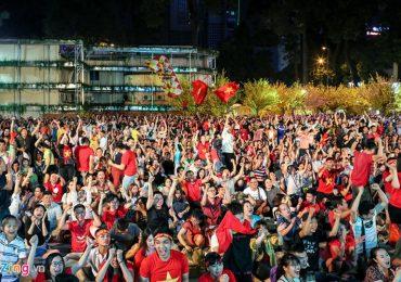 Cổ động viên Sài Gòn vỡ òa với màn trình diễn tuyệt vời của Việt Nam