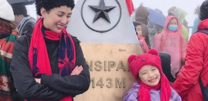 Ngọc Diễm đưa con gái lên đỉnh Fansipan lúc âm 4 độ C