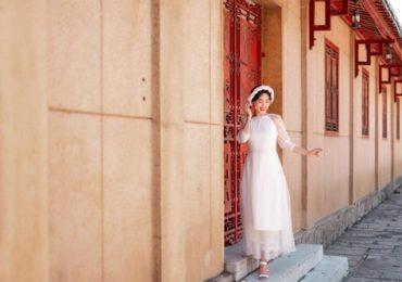 Chán gợi cảm, Sĩ Thanh diện áo dài kín đáo dạo phố Tết 2019
