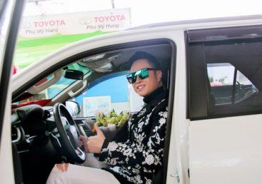 Ca sĩ Nhật Tinh Anh mua xế hộp mới đắt tiền