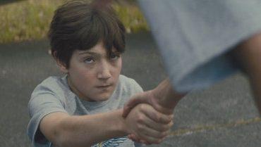 Phim siêu anh hùng kinh dị 'Brightburn' tung trailer 2 ám ảnh và rùng rợn hơn gấp bội