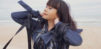 Hoa hậu Hằng Nguyễn diện đồ 'country rock' tự thiết kế dạo biển Quy Nhơn