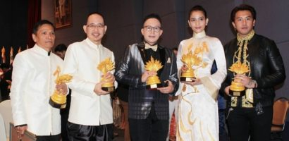 Á hậu Trương Thị May và nam diễn viên Ấn Độ đoạt giải 'Người con của đức Phật' tại Thái Lan
