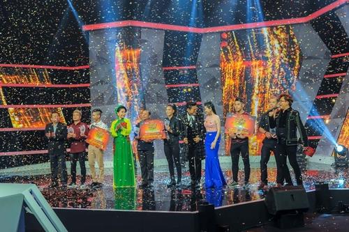 Phi Ngọc Ánh đăng quang ngôi vị quán quân của gameshow 'Kẻ thách thức'