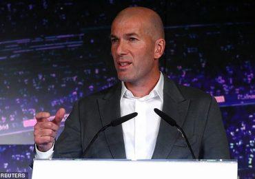 Zidane sành điệu trong ngày trở lại Real Madrid