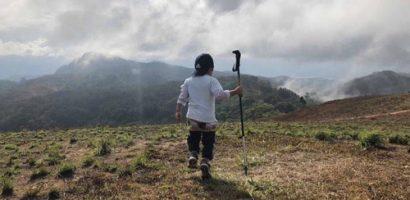 Phượt thủ nhí 4 tuổi 'trốn học', theo bố mẹ thám hiểm cung đường Tà Năng