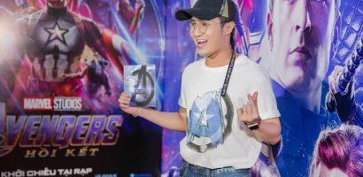 Huỳnh Lập thích thú trò chuyện rôm rả cùng cầu thủ Quang Hải trên thảm đỏ 'Avengers: Endgame'
