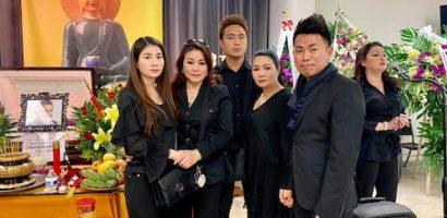Danh ca Hương Lan, Hoài Tâm và nghệ sĩ hải ngoại đến viếng Anh Vũ ở Mỹ