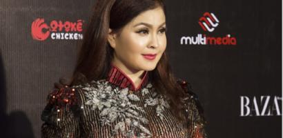 Yến Vy tái xuất đẹp mặn mà trên thảm đỏ thời trang Việt Nam