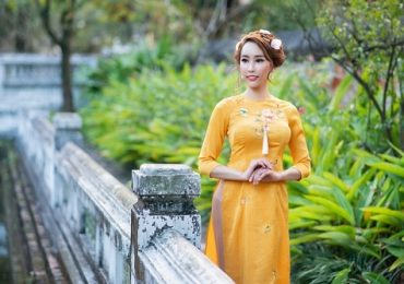 Hoa hậu Stella Đào khoe vẻ đẹp đậm chất Á Đông trong trang phục áo dài