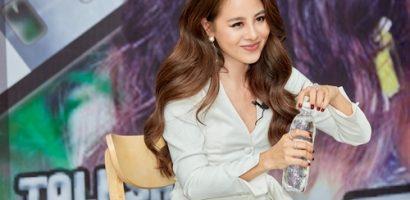 Nam Thư chia sẻ với sinh viên về quá trình thực hiện web-drama