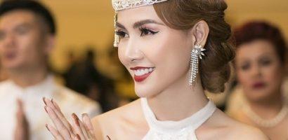 Hoa hậu Phan Thị Mơ đeo nhẫn 5,5 tỷ đồng đi sự kiện