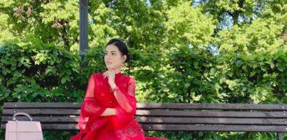 Á hậu Quỳnh Như vui vẻ dạo chơi Latvia sau khi đăng quang