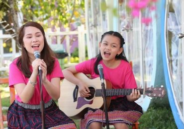 Không chỉ hát hay, Bào Ngư và Victoria Nguyễn còn giới thiệu cảnh đẹp Đà Lạt