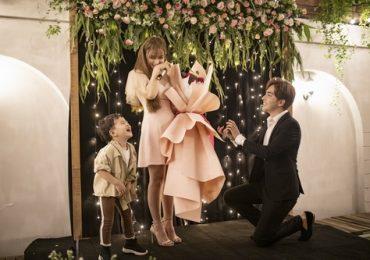Thu Thủy bật khóc khi nhận lời cầu hôn từ bạn trai kém tuổi
