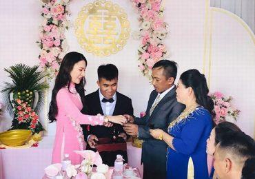 Em gái ruột của hoa hậu Ngọc Diễm kết hôn ở tuổi 23