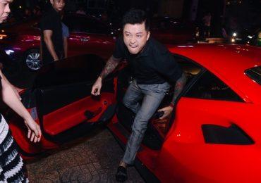 Tuấn Hưng chạy show bằng siêu xe 16 tỉ