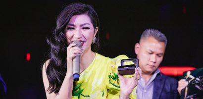 Nguyễn Hồng Nhung đeo nhận hơn 30.000 USD đi sự kiện