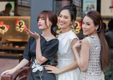 Bắt gặp Lan Ngọc, Phương Anh Đào và San đi hẹn hò ăn tối