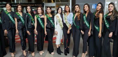 Hoa hậu Phương Khánh đến Colombia chấm thi Miss Earth