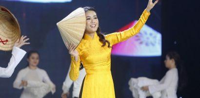 'Duyên dáng Bolero' mùa 2: BTV '60 giây' gây thương nhớ với vẻ đẹp chuẩn 'Hoa hậu'