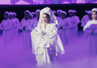 Hoàng Thùy Linh 'lên đồng' trong MV 'Tứ phủ'
