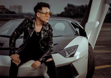 Rapper Ashi khoe vẻ phong trần lãng tử bên 'siêu bò tót' Lamborghini
