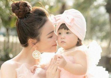 Bé Sophia tròn 1 tuổi, Trà Ngọc Hằng lần đầu công khai hình ảnh của con