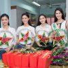 Top 3 Miss World Việt Nam giản dị cùng đương kim Hoa hậu quốc tế làm từ thiện