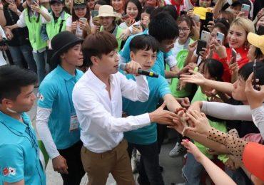 Hồ Quang Hiếu 'bảo chứng' sự yêu thương từ kiều bào Hàn Quốc