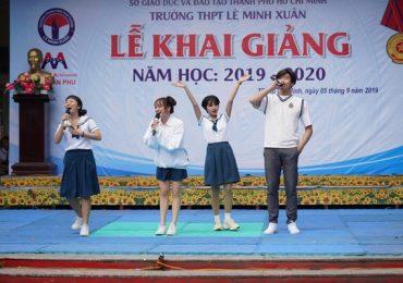 Kaity Nguyễn, Trang Hý, Trịnh Thảo gây 'náo loạn' lễ khai giảng của trường THPT Lê Minh Xuân
