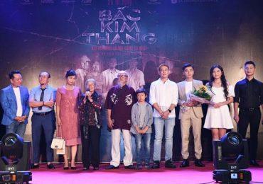 Ê-kíp 'Bắc Kim Thang' vỡ oà hạnh phúc trong những lời khen