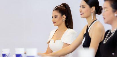 Vũ Thu Phương gây choáng khi thẳng thắn chê thí sinh không đẹp tại Hoa hậu Hoàn vũ Việt Nam 2019