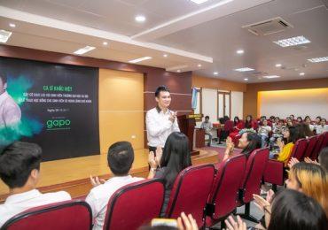 Anh em Khắc Việt – Khắc Hưng ngẫu hứng hát tặng sinh viên