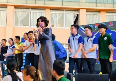 Sinh viên các trường Đại học dành tình cảm lớn với đoàn lô tô Sài Gòn Tân Thời