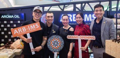 Nhạc sĩ Nguyễn Hoàng Duy và Vân Anh (FapTV) hào hứng với cách làm đẹp hiện đại
