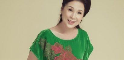NSND Kim Xuân nhận giải thưởng tại LHP Viet Film Fest 2019